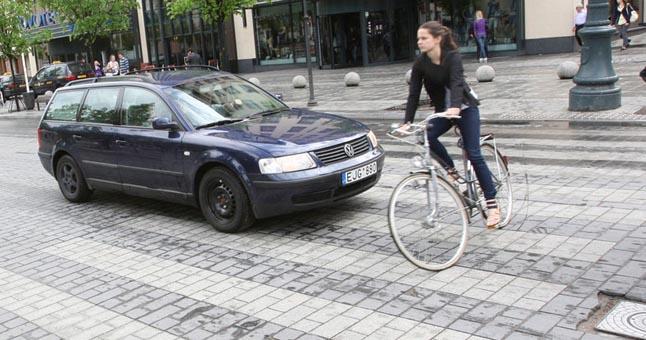 dviratis-perejoje
