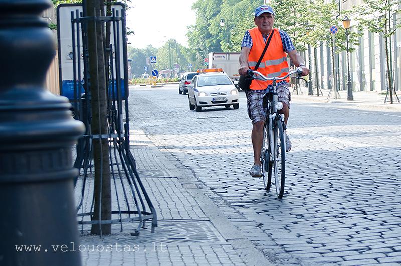tiltu gatve dviraciai 12